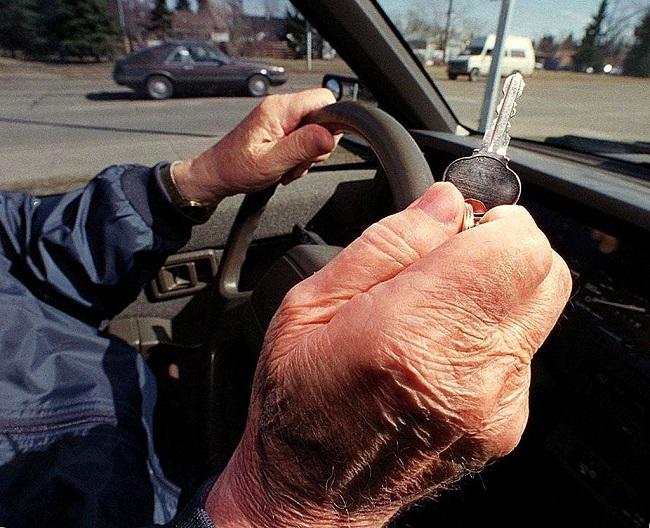 Τι ισχύει πλέον για το δίπλωμα οδήγησης για τους ηλικιωμένους…