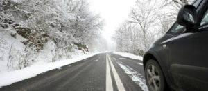 Δείτε τι πρέπει να προσέξετε όταν πρόκειται να οδηγήσετε σε πάγο και χιόνι